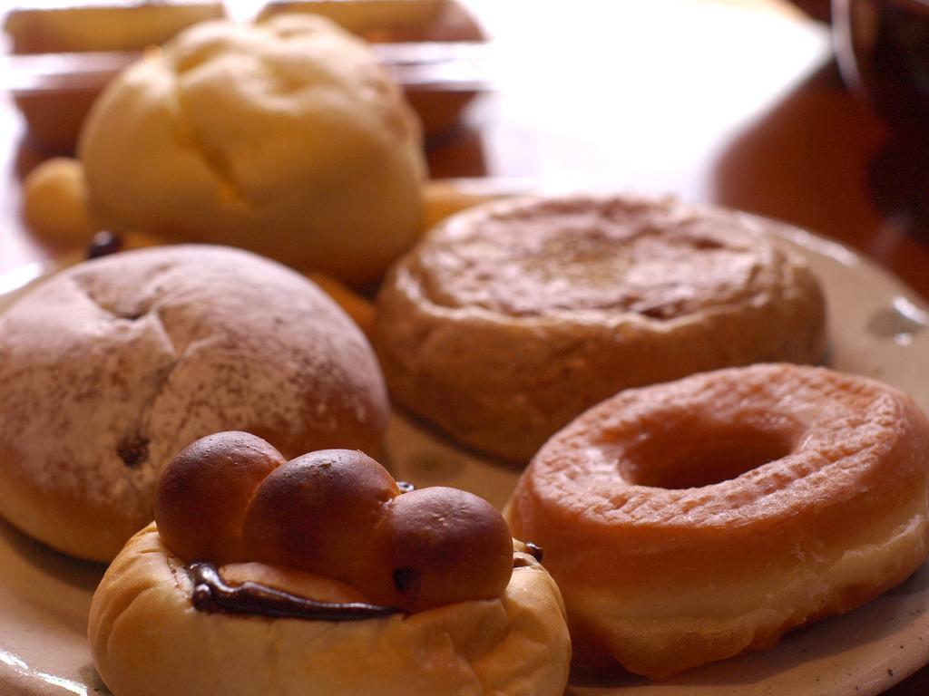 トーホーのパンで朝食